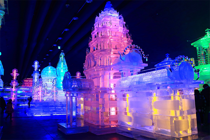 Indoor ice sculpture